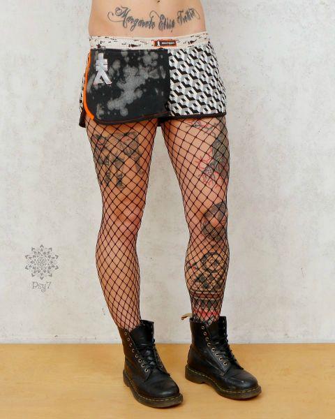 Macropan Tekno Punk | Hot Pants #2