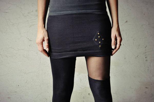 Minirock Triangel mit Nieten | schwarz