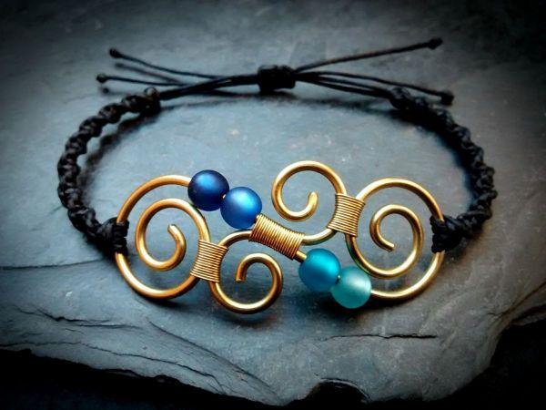 Koru Messing Armband Makramee | Gold | Blau