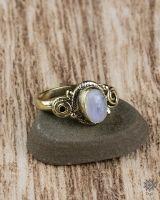 Ring Fara Oval | Mondstein