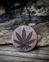 Anhänger | Halskette - Hemp Leaf