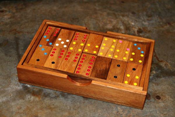 Domino - Legespiel aus Holz