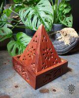 Räucherpyramide für Kegel | Sheeshamholz