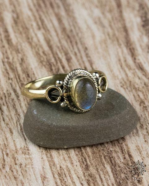 Ring Erin Oval | Labradorit