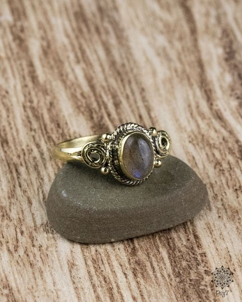Ring Fara Oval | Labradorit