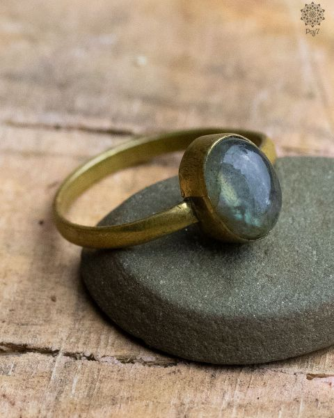 Ring For | Labradorit